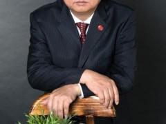 """勇跳""""龙门""""的人——记天津市湖北商会常务副会长梅加川"""