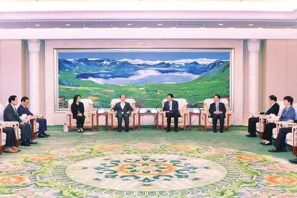 吉林省委书记巴音朝鲁、省长景俊海会见日本中华总商会代表团